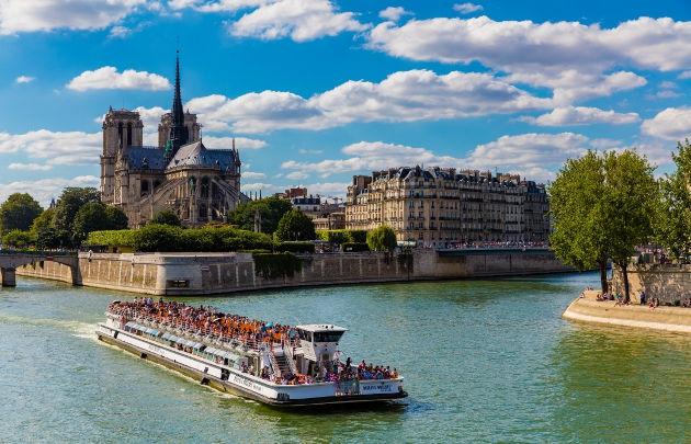 educational trip Paris